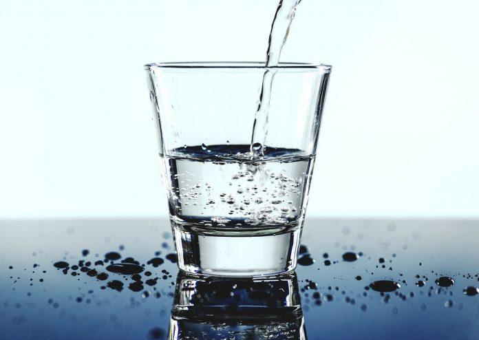 Agua ionizada: todo lo que debes saber