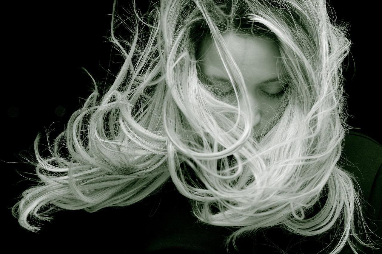 puedas cambiar de tono tu cabello aclarándolo