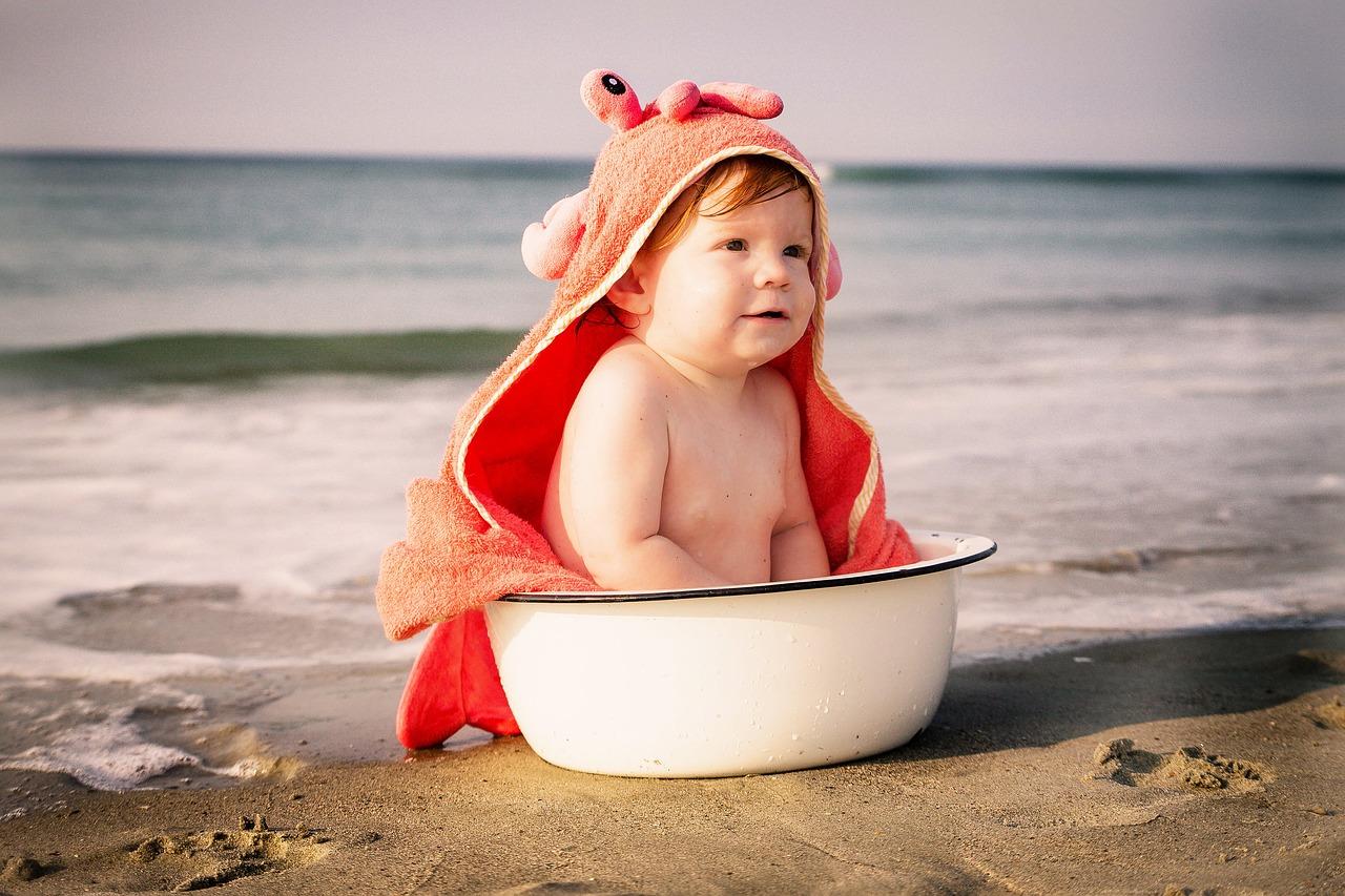 ¿Cuánta agua necesita un bebé por día?